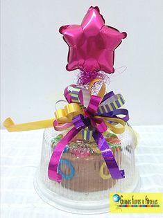 Birthday Candy, Diy Birthday, Birthday Celebration, Birthday Gifts, Balloon Arrangements, Balloon Decorations, Secret Sister Gifts, Baking Packaging, Sweet 16 Gifts