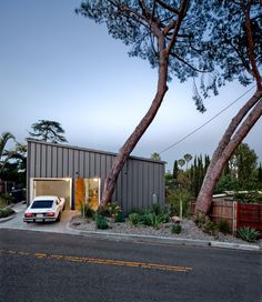 big & small house by anonymous architects in los angeles- 1200 sqft - $210,000