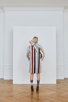 Thom Browne Pre-Fall 2018 Fashion Show Collection: See the complete Thom Browne Pre-Fall 2018 collection. Look 20 Autumn Fashion 2018, Fashion News, Fashion Trends, Fashion Glamour, Trending Now, Thom Browne, Fashion Show Collection, Fall 2018, Editorial Fashion