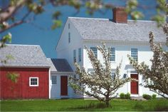 House plans! I love house plans. New England home inspired by the historic Wells Thorn House