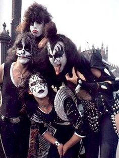 KISS:    ROCK GROUP