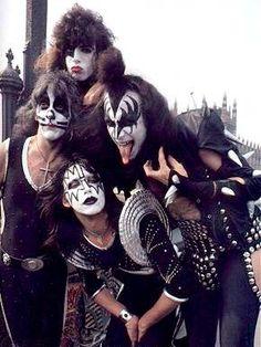 KISS:    ROCK GROUP