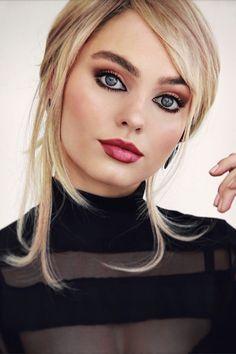 Margot Robbie Wolf, Atriz Margot Robbie, Margo Robbie, Margot Robbie Harley, 90s Makeup Look, Retro Makeup, Full Makeup, Vintage Makeup, Makeup Looks