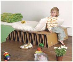 Muebles de cartón, una alternativa de reciclaje
