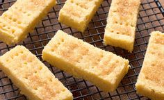 The Very Best Shortbread ~ w/suggested variations | recipe by Mary Berry from her cookbook '100 Cakes and Bakes' | via My Kitchen Table (UK)