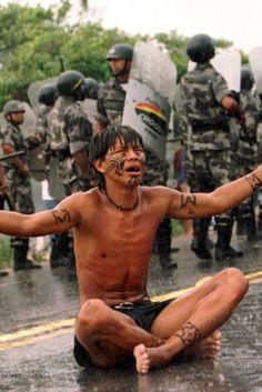 Assassinatos de indígenas disparam no Brasil, comprova relatório do Cimi