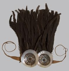 Headdress, uhikana, of coconut fibre, mother-of-pearl, turtle shell, feathers, from the Marquesas Islands; part of the Forster collection (Forster 134; 1886.1.1340)