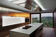 Una casa diseñada para abrirse al cielo y la tierra
