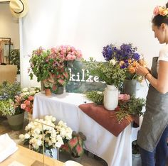 commonlosangeles Flowers for MOM by @kilkeadesign in store all weekend💗 #atwatervillage #spring #mothersday #welovetheweekend