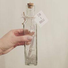 Du suchst nach besonderen Einladungskarten für deine Hochzeit. Hier findest du eine DIY Anleitung um eine Flaschenpost Hochzeitseinladung selber zu basteln.