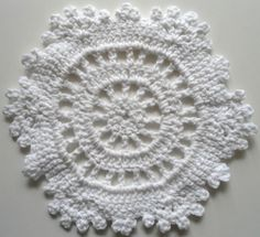 "Free pattern for ""White Snowflake Dishcloth""!"