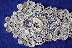 lace+types+images+|+fine+needlepoint+lace+of+the+19thC+often+incorporating+bobbin+lace.