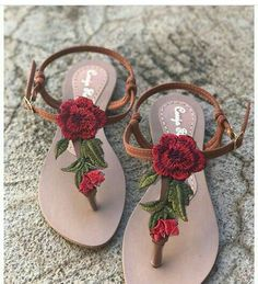 Sandals with embroidery