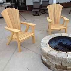This Adirondack chair and matching love seat are designed for outdoor comfort. They're designed for easy assembly, so that a novice can build them. And you can build them from inexpensive, durable wood that, once stained, looks beautiful. Rustic Adirondack Chairs, Wooden Lawn Chairs, Porch Chairs, Adirondack Chair Cushions, Composite Adirondack Chairs, Adirondack Furniture, Rustic Chair, Rustic Furniture, Outdoor Chairs