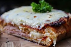 #easy #entertaining #fun #monthly #food #challenge #croquemonsieur #California #cuisine #French #ham #cheese #sandwich via What's On The List http://whatsonthelist.net/2014/05/31/croque-monsieur/