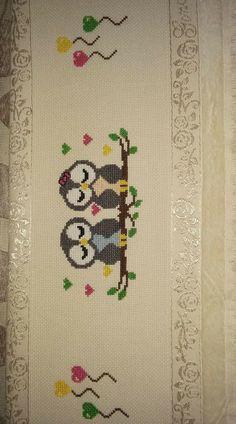 Rugs, Home Decor, Needlepoint, Punto De Cruz, Farmhouse Rugs, Decoration Home, Room Decor, Home Interior Design, Rug