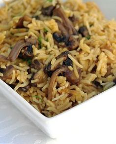 Rice with mushrooms in the Indian: of rice of mushrooms cut into 4 1 onion diced 2 pinches Veggie Recipes, Indian Food Recipes, Asian Recipes, Vegetarian Recipes, Healthy Recipes, Ethnic Recipes, Garam Masala, Going Vegetarian, Cooker Recipes