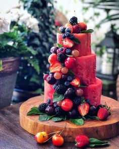 how to make a watermelon cake – The Lemon Apron Köstliche Desserts, Delicious Desserts, Health Desserts, Fruit Recipes, Cake Recipes, Fresh Fruit Tart, Fruit Birthday Cake, Cakes Today, Fruit Decorations