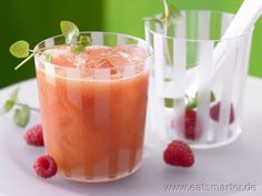 Mango-Himbeer-Cocktail - smarter - mit Grapefruit.  Kalorien: 122 kcal | Zeit: 10 min. #cocktails