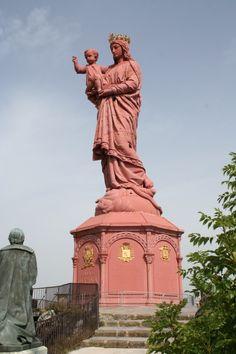 Le Puy-en-Velay statue de la Viege, France