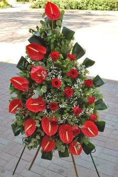 Fantastic Images Funeral Flowers church Suggestions Whether or not you are preparing as well as visiting, memorials are normally any sorrowful and in some cases d. Funeral Floral Arrangements, Tropical Flower Arrangements, Modern Floral Arrangements, Church Flower Arrangements, Unique Flowers, All Flowers, Amazing Flowers, Dried Flowers, Memorial Flowers