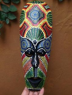 New Aboriginal Tribal Australia Mask African Wooden Paint Dot Decor Wall Carved Watercolor Paintings Abstract, Dot Painting, Figure Painting, Painting Tips, Aboriginal Dot Art, Aboriginal People, African Wood Carvings, African Art Projects, Palm Frond Art