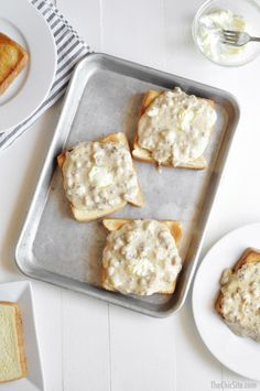 Quick and Easy Sausage Gravy on Buttered Toast ~ breakfast or dinner recipe ideas