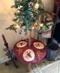 """17"""" mini snowman tree skirt"""