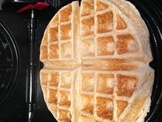 E Waffle, uploaded by Pink Unicorn- cup oatmeal dry, cup egg whites, cup low fat cottage cheese, few drops Maple or vanilla flavoring and a dash of salt E breakfast Nut Recipes, Low Carb Recipes, Whole Food Recipes, Snack Recipes, Snacks, What's For Breakfast, Low Carb Breakfast, Crepes, Trim Healthy Momma
