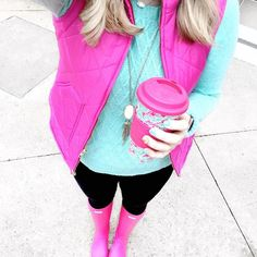 Pink quilted vest + turquoise mint sweater + black legging pants + pink hunter boots + Lilly Pulitzer coffee mug - bright colors for winter outfit Mint Pants Outfit, Black Leggings Outfit, Tennis Shoes Outfit, Leggings Are Not Pants, Pink Hunter Boots, Hunter Boots Outfit, Turquoise Clothes, Pink Turquoise, Colourful Outfits