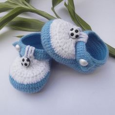 OH MY!!!  Too cute! handmade baby shoes