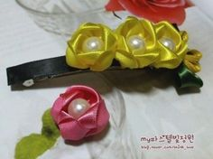 The Perfect DIY Ribbon Rose Hair Clip With Peal - http://theperfectdiy.com/the-perfect-diy-ribbon-rose-hair-clip-with-peal/ #DIY, #Giftidea