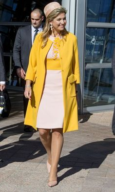 Queen Maxima of the Netherlands shows off her style during visit to New Zealand and Australia Yellow Fashion, Royal Fashion, Women's Fashion, Nassau, Yellow Clothes, My Fair Lady, Queen Maxima, Coat Dress, Yellow Dress