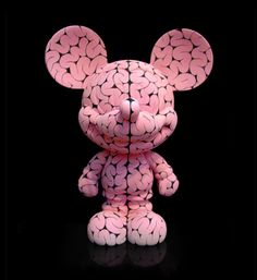 About Emilio Garcia - Designer Toys, Sculptures, Art Prints, Contemporary Art and other Limited Edition Goodies Vinyl Toys, Vinyl Art, Sculpture Art, Sculptures, Character Concept, Character Design, Mickey Mouse, Duck Toy, Grid Design