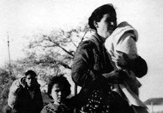 Una familia huyendo de los combates en Madrid durante la Guerra Civil. - Foro…