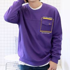 New T Shirt Design, Tee Design, Shirt Designs, University Outfit, T Shorts, Apparel Design, Boys Shirts, Mens Sweatshirts, Shirt Style