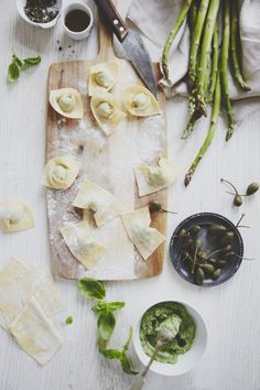 Quick Pesto Tortellini with Asparagus and Capers