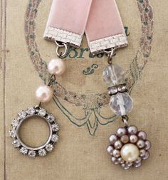 ... vintage bookmarks!  ♡  http://www.andreasingarella.com/images/large/bm8.JPG