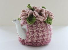 Sutherland Houndstooth Hand-knitted Floral Tea by taffertydesigns