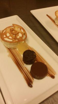 Witte chocolade mouse, appel gelei,brownie, chocolade gelei. melkchocolade Ganache.