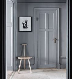 The grey door with grey walls. Only Deco Love: Nytorgsgatan for sale Colorful Interiors, Grey Doors, Interior, Home, Black Entry Doors, Grey Walls, House Styles, Interior Blogs, House Interior