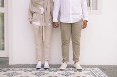 Effortlessly Cool And Casual Engagement Shoot - 006