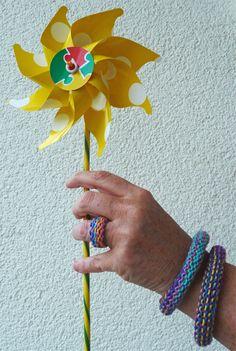 Strickschmuck aus Catania Color #Knitulator #Strickschmuck