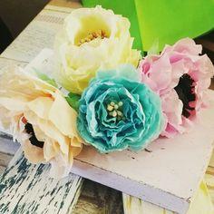 Creato fiori di carta crespa