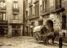 LA BARCELONA D'ABANS, D'AVUI I DE SEMPRE ... !!!(SINCE 2.009)!!!: IMATGES DESAPAREGUDES EN LA BARCELONA D' ABANS, D' AVUI I DE SEMPRE...8-02-2015...!!! Barcelona Street, Barcelona Catalonia, Belle Epoque, Art Nouveau, Antoni Gaudi, Best Cities, Old Photos, Family Travel, Madrid