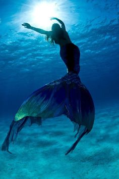 Inspiration for LSpace's contest. Full of gorgeous beaches, super cute 'kinis, and my dream adventures Mermaid Images, Mermaid Pictures, Mermaid Art, Supernatural, Image Fun, Mermaids And Mermen, Mermaid Tails, Merfolk, Mythical Creatures