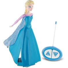 Bring to life the kingdom of Arendelle with this enchanted remote control skating Elsa. Watch Elsa glide around whilst she sings the hit song 'Let it go'. American Girl Doll Movies, Ropa American Girl, American Girl Clothes, Toy Cars For Kids, Toys For Girls, Christmas Toys, Christmas Gifts For Kids, Christmas 2015, Peluche Peppa Pig