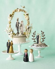 Cute vintage toppers. Brides and Grooms
