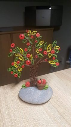 Quilling Art, Quilling Dolls, Paper Quilling Earrings, Paper Quilling Flowers, Paper Quilling Cards, Paper Quilling Patterns, Quilled Paper Art, Diy Arts And Crafts, Flower Crafts