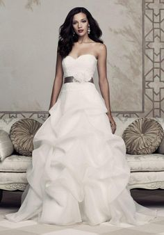 Paloma Blanca 4351 Wedding Dress photo